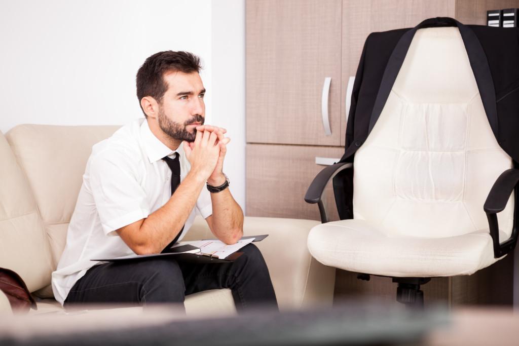 仕事のストレスが限界な時、最優先ですべきこと